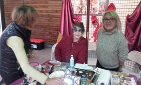 Stand maquillage avec Irène et Josiane